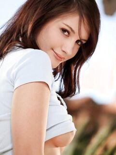 Обнаженная красотка Adorable Ally Ryan