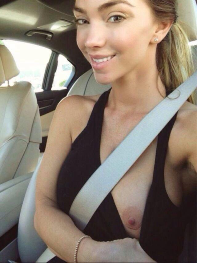 Большая подборка девушек с обнаженной грудью