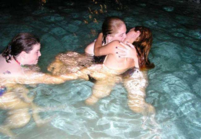 Лесбиянки на голой вечеринке