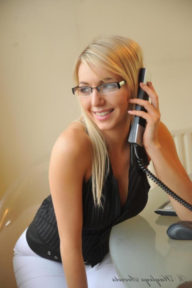 Грудастая начальница Hayley Marie