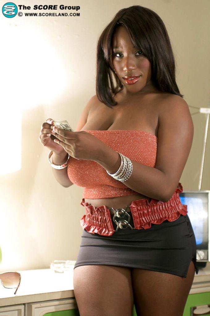 Janet Jade позволяет партнеру лапать ее большие дойки