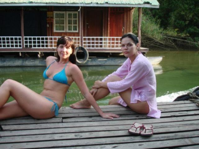 Две подруги отдыхают в Индии