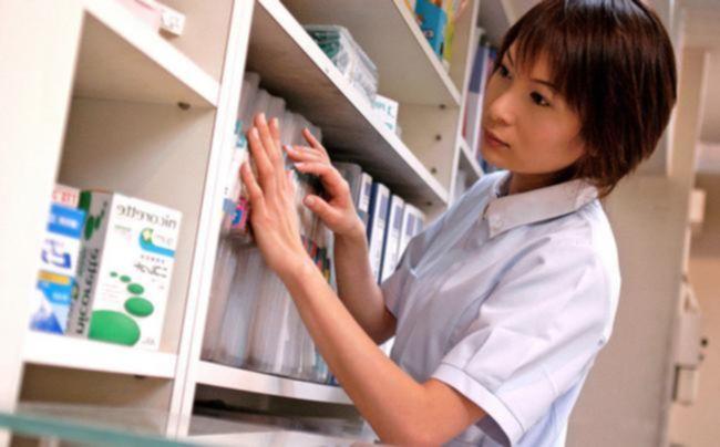 Стоматолог трахнул свою ассистентку-азиатку в кабинете на кресле