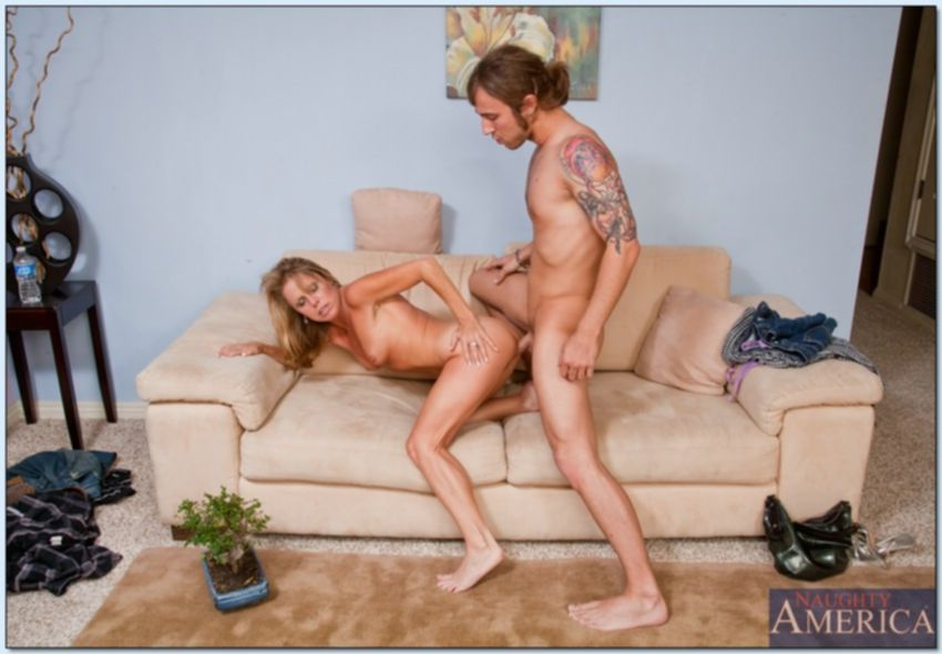 Опытная дама потрахатся с любовником