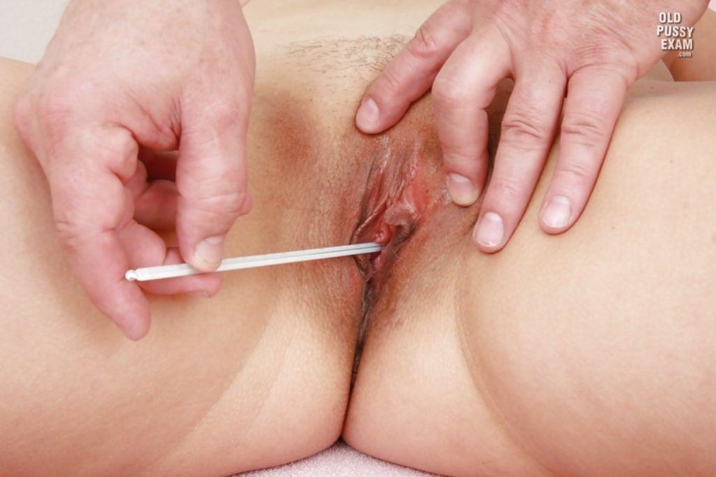 Зрелая дама на приеме у гинеколога