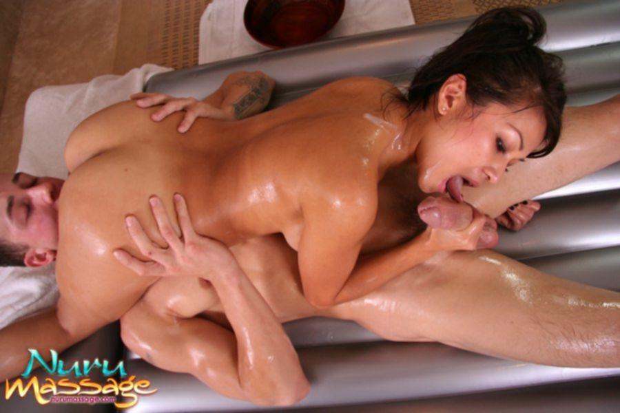 Китайская массажистка отсосала во время процедуры