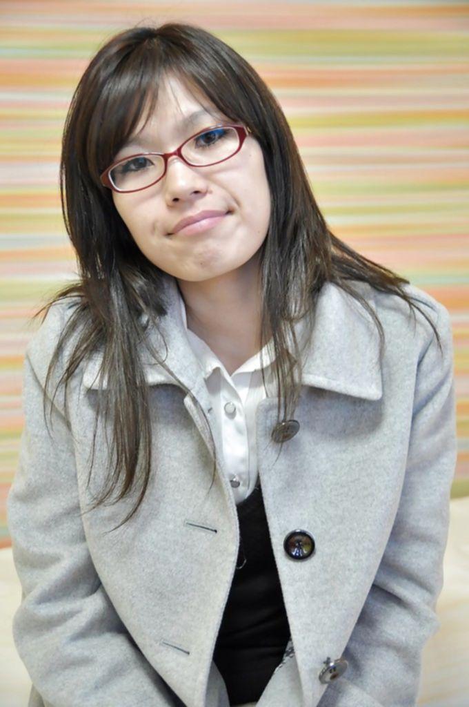 Азиатская студентка разделась перед преподавателем