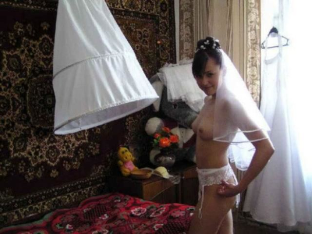Откровенные невесты не против показать себя