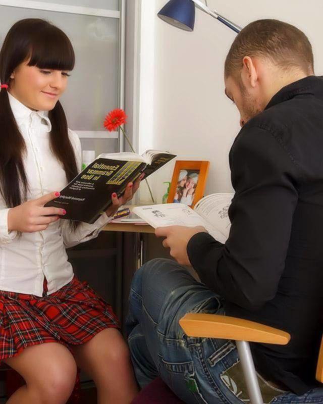 Студентка решила отдаться своему куратору