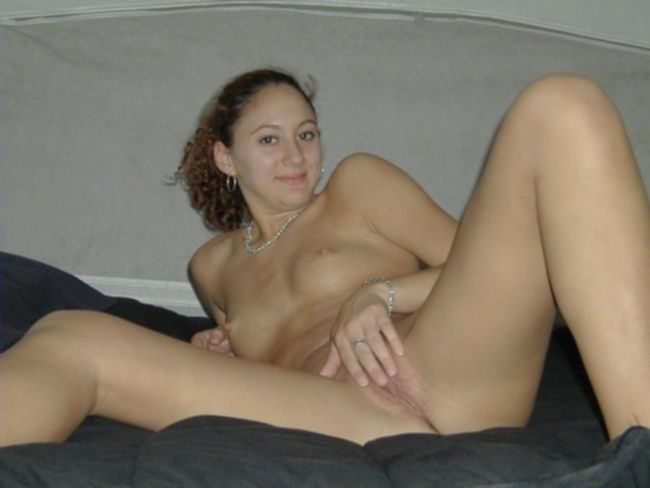Пьяные девочки мастурбируют