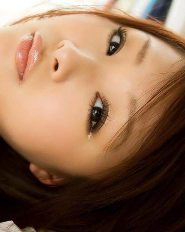 Смазливая японская девушка оголилась