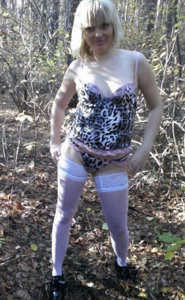 Развратная Ирка показала худое тело